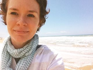 Natalie-Elphinstone-beach-shot